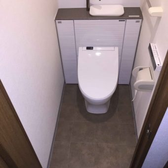 すっきり綺麗なトイレ空間をキャビネット一体型トイレで実現!!札幌市マンション