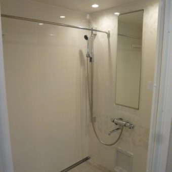 シャワーユニットという選択肢でミニマリストな空間を!札幌市マンション