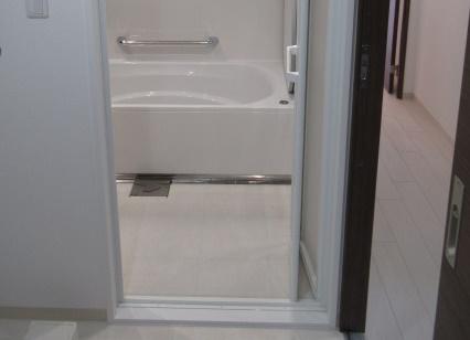5施工後SB3浴室入口フロア