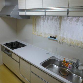 セクショナルキッチンから、たっぷり収納の家事ラクシステムキッチンへリフォーム!札幌市戸建