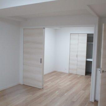 和室は洋室へ、内装フルリフォームでナチュラルモダン空間演出!札幌市マンション