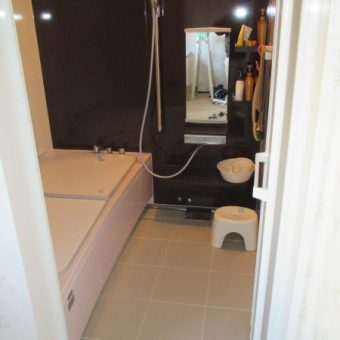 タカラスタンダード高断熱浴槽で、暖かさを逃がさない入浴へ!札幌市戸建