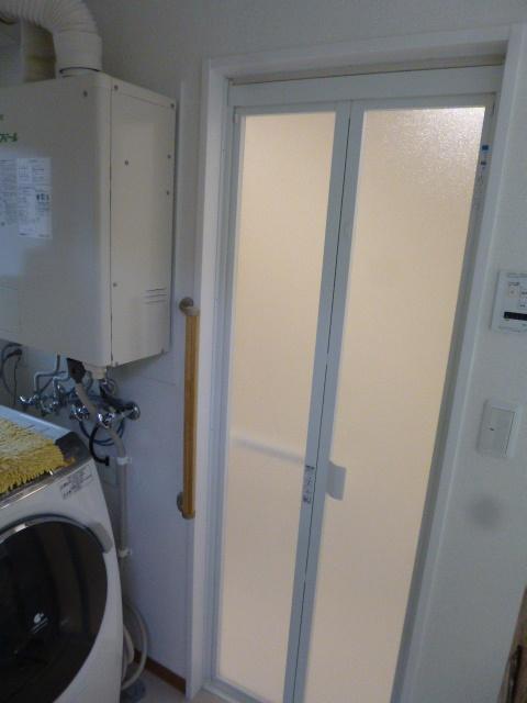 3施工後浴室入口