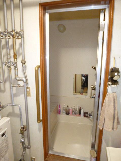 1施工前浴室入口