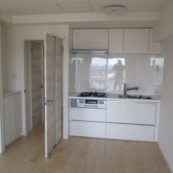 インテリアのようにお部屋に馴染むクリナップキッチン『ラクエラ』にリフォーム 小樽市マンション