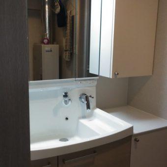 深いボウルで予備洗いもジャブジャブ洗える洗面化粧台へリフォーム!札幌市マンション