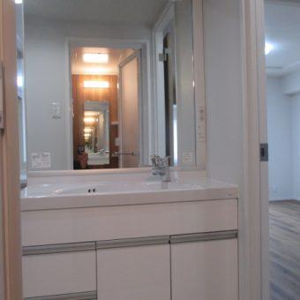 TOTO洗面化粧台『スリムシリーズ』で狭い空間も有効活用してスッキリ!札幌市マンション