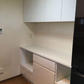 オーダー食器棚でキッチン空間スッキリ+オーダー扉交換リフレッシュ!札幌市マンション