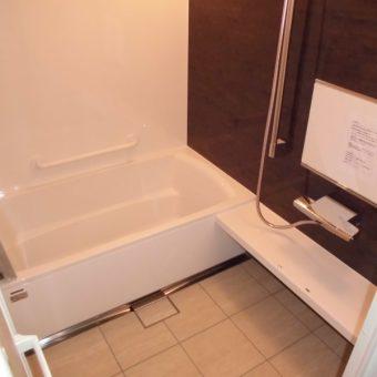 ホーローの壁パネルが魅力的な『伸びの美浴室』へリフォーム!札幌市マンション