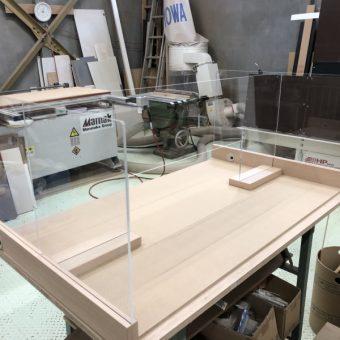 感染防止、オーダーアクリル板設置施工事例!札幌市事務所