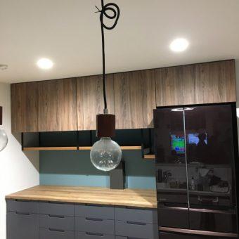 こだわりのボトルラックワゴンを組み込んだオリジナルオーダー食器棚!札幌市戸建