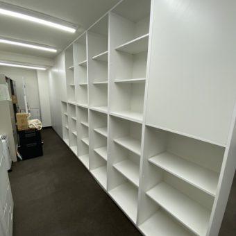 オフィスを仕切る大型壁面収納棚設置!札幌市某事務所