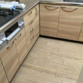 システムキッチンプチリフォーム+食器棚新設でリフレッシュ!札幌市マンション