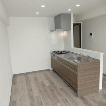 マンションフルリフォーム、キッチン移設で空間をカッコよく!札幌市マンション