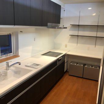 システムキッチンリフォームでデッドスペースをなくして有効活用!札幌市戸建