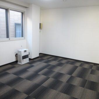書庫を社員共同居住スペースへ、洗面・シャワールームも新設!札幌市某事務所