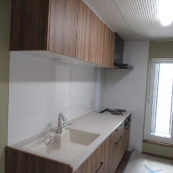 間仕切り壁を造作し、独立したキッチン空間へリフォーム!札幌市戸建