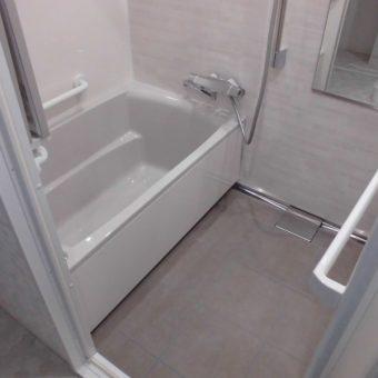 クリーンをキープするシステムバス、タカラスタンダード『伸びの美浴室』へリフォーム!札幌市マンション