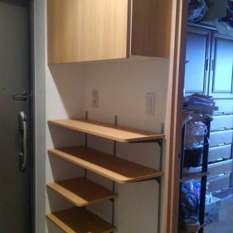 オーダー玄関収納、棚板収納でスタイリッシュに魅せる収納へ!北広島市マンション